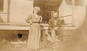 Early farm settlers, Sanford, in front of original cottage