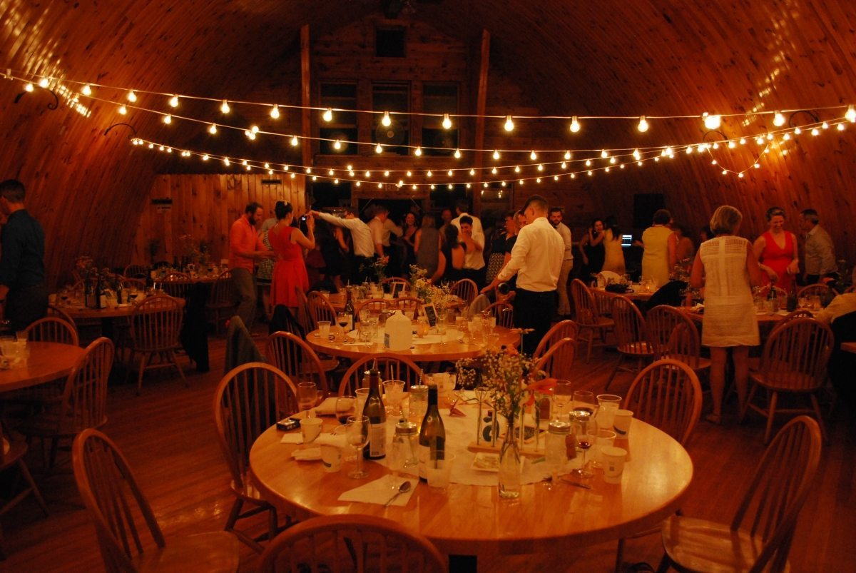 barn wedding table pic